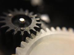 MM - Cogwheel - black&white (Caméléo) Tags: roues engrenage blackandwhite cogwheel macromondays