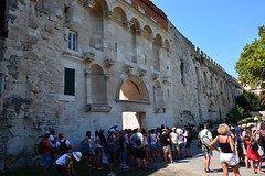 Kinoteka Golden Gate Zlatna Vrata (Split, Hrvatska 2018) (paularps) Tags: paularps arps travel reizen croatia kroatië hrvatska europa europe culture nature 2018 nikon nikond7100 beer ozujsko ozujskobeer flickr sailing islandhopping unesco worldheritagesite adriatic adriaticcoast zeilen fietsen biking island islands
