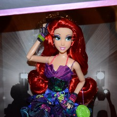 2018 Disney Designer Collection Premiere Series - Store Display - Ariel - Boxed - Front Lids Opened - Midrange Front View (drj1828) Tags: disneystore disneydesignercollection premiereseries promo storedisplay 2018 princess ariel thelittlemermaid