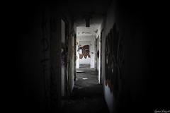 3 eme étage (Dotzap) Tags: sombre dark inside exploration urban urbex suisse switzerland swiss valais suln tag graph couloir