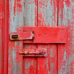 Red door (mikael_on_flickr) Tags: door porta colour colore lock closed nólsoy føroyar færøerne faroeislands isolefaroe rust rusty detail particolare wood legno painted red rød röd rot rosso rouge