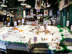seafood at Pike Place Market (frodnesor) Tags: pacificnorthwest seattle washington familytrip pikeplacemarket