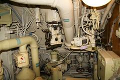 U 434 (Maschinenraum) (Michaela Ellguth) Tags: 434 atomboot bild boot deutschland elbe farbe farben farbig foto fotografie hafen hamburg innenansicht maschinenraum museum museumsboot redaktionell rm russisch russisches spionage u uboot wasser