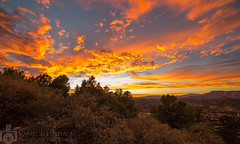 Desert Sky Ablaze (Vamsi Illindala) Tags: vamsi illindala vamsikrishnahemanthillindala digirebel canoneos5dmarkiii canon5dmkiii 5dmkiii rokinon rokinon14mmf28 samyang ultrawideangle arizona sedona desert sky abalze sun sunset evening orange fire wideangle