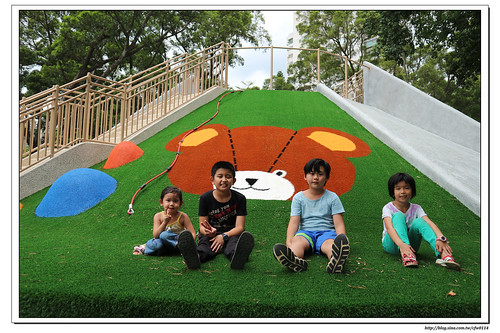 《幸福行》林口‧熊熊主題公園 沙坑人工草皮磨石子溜滑梯 新北特色公園
