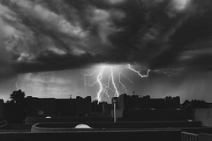 (el zopilote) Tags: 800 700 600 500 albuquerque newmexico cityscape architecture clouds ligntening canon eos7d canonef24105mmf4lisusm bw bn nb blancoynegro blackwhite noiretblanc digitalbw bndigital schwarzweiss monochrome