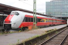 NSB 73 (magro_kr) Tags: göteborg goteborg goeteborg gothenburg szwecja sweden sverige västragötaland vastragotaland nsb kolej pociąg pociag ezt stacja dworzec train rail railway emu station