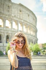 Guapa (frammenti di nuvole) Tags: roma colosseo rome coliseum roman empire impero romano fori foro romani centro centre italia italy guapa chica ragazza bellezza la dolce vita nikonflickraward