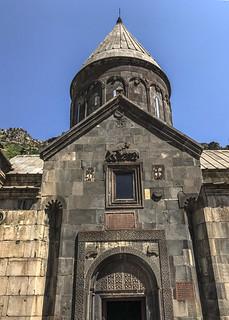 IMG_0749_2 Armenia : Monastero di Geghard - Facciata della chiesa di S. Katoghike- UNESCO- Patrimonio dell'Umanità dal 2000 - Allargare