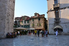 Old town Split (Hrvatska 2018) (paularps) Tags: paularps beer ozujsko ozujskobeer hrvatska croatia kroatië flickr reizen travel europa europe 2018 culture nature sailing islandhopping unesco worldheritagesite adriatic adriaticcoast zeilen fietsen biking island islands