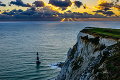 Sunset at Beachy Head (George Plakides) Tags: beachyhead lighthouse southcoast whitecliffs crepuscularrays sunbeams