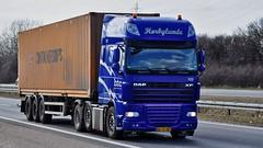 AF95967 (13.04.17)_Balancer (Lav Ulv) Tags: 129458 daf dafxf xf105 105460 e5 euro5 2009 afmeldt2013 retiredin2013 abgemeldet2013 blue container htc hørbylundetransportcompany 6x2 containerships xf460 truck truckphoto truckspotter traffic trafik verkehr cabover street road strasse vej commercialvehicles erhvervskøretøjer danmark denmark dänemark danishhauliers danskefirmaer danskevognmænd vehicle køretøj aarhus lkw lastbil lastvogn camion vehicule coe danemark danimarca lorry autocarra danoise vrachtwagen trækker hauler zugmaschine tractorunit tractor artic articulated semi sattelzug auflieger trailer sattelschlepper vogntog oplegger motorway autobahn motorvej vibyj highway hiway autostrada