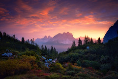 Cadini di Misurina / Italy (Sebastian Warneke) Tags: fuji fujifilm rollei nisi filters filter italy dolomiti dolomites dolomiten xt2 xtrans landscape nature september 2018 mountains mountain sunrise lago di sorapis wolken früh early morning morgens wald felsen rocks luminar skylum