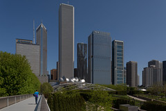 Chicago Skyline beyond Millenium Park from the Nichols Bridgeway. (string_bass_dave) Tags: california architecture artinstituteofchicago illinois buildings flickr il chicago unitedstates us