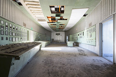 Centrale Elettrica (Sean M Richardson) Tags: abandoned powerplant italia controlroom sunlight canon decay detail exploring photography symmetry controls architecture green