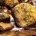 détail de cascade finale de La Perna, rivière du bas Bugey qui se jette dans le Rhône
