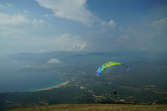 RU_201808_SanBastiano_002 (boleroplus) Tags: decollage horizontal mer montagnes nuage parapente paysage appietto corse france fr