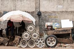 Kumasi roadside (10b travelling / Carsten ten Brink) Tags: 10btravelling 2017 africa african afrika afrique asante ashanti carstentenbrink ghana ghanaian goldcoast iptcbasic kumasi places westafrica tenbrink wheels