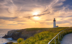 Yaquina Head Lighthouse (Scottie Nguyen) Tags: nikon tamron seascape oregon pacific northwest sunset lighthouse ocean