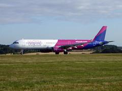 HA-LXL Airbus A321-231 cn 7488 Wizzair Hungary Luton 25Aug18 (kerrydavidtaylor) Tags: ltn eggw bedfordshire londonlutonairport a321 a321200