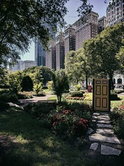 Entrance (ancientlives) Tags: chicago illinois il usa gardens garden flowers nature art publicart modernart chicagoparks grantpark walking streetphotography michiganavenue saturday september 2018 summer buildings architecture towers skyline cityscape city