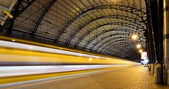 To Late! (Ducodaily) Tags: haarlem nederland netherlands centraalstation trein lighttrail nikon tamron manfrotto longexposure nightphotography nightcrawler station