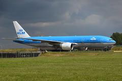 PH-BQG Boeing B777-206(ER) EHAM 20-05-17 (MarkP51) Tags: phbqg boeing b777206er b777 klmroyaldutchairlines kl klm amsterdam schipol ams eham noordholland netherlands airliner aircraft airplane plane image markp51 nikon d7200 aviationphotography