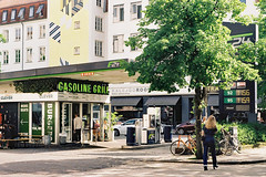 The Gasoline Grill (m-og-m) Tags: kodak gold copenhagen denmark kodakretina1bschneiderkreuznachretinazenarf2 850mm