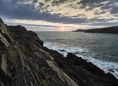 Looking Hopefully West (Maggie's Camera) Tags: dsuk sunset whitesands pembrokeshire rocks sea clouds august2018