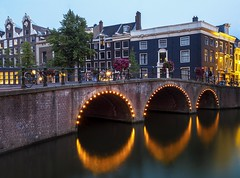 amsterdam 5 (Francisco Javier Tejado) Tags: amsterdam netherlands niederland holland dutch europe european water canal canals boating boats houseboat houseboats beautiful tourism tourists scenes central omd