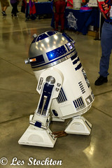 20180908_10461401-Edit (Les_Stockton) Tags: wizardworld comiccon convention costume droid fantasy r2d2 robot scifi