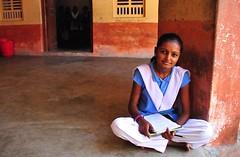 India- Rajasthan- Chanod (venturidonatella) Tags: india asia rajasthan scuola school student studente colori colors persone people gentes nikon nikond300 d300 portrait ritratto ragazza girl emozioni chanod