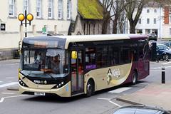 YX65 PYH, Winchester Guildhall, March 18th 2017 (Southsea_Matt) Tags: yx65pyh 37413 route1 stagecoachhampshirebus thekingscity alexanderdennis adl enviro200 e200 mmc thebroadway guildhall winchester hampshire england unitedkingdom canon 80d sigma 1850mm march 2017 spring bus omnibus publictransport passengertravel vehicle