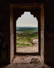Beyond the Fort (Mansoor Bashir) Tags: rohtas punjab pakistan pk jhelum dina castle fort hill mountain himalayas green plains perspective archway arch mughal architecture archaeology