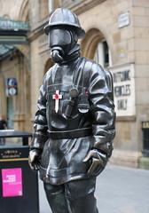 Citizen Firefighter Statue. (Paris-Roubaix) Tags: citizen fireman bronze statue gordon street glasgow central station sculptor kenny hunter