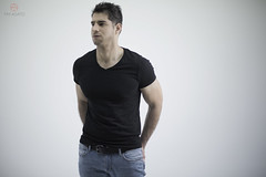 Mike (tim_asato) Tags: timasato marytorres mikefigueroa mikefg model modelo masculino hombre man boy chico hot sexy hunk trunk jock stud handsome guapo pecs abs biceps mexican mexicano shirt camiseta jeans tejanos muscle musculo fitness
