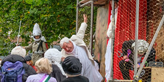 YMPST waggon play performance, St Sampson's Square, 16 September 2018 - 07 (nican45) Tags: yorkmysteryplays2018 16september2018 16092018 18135 18135mm 2018 csc fuji fujifilm mysteryplays nickansell september stsampsonssquare supporterstrust theharrowingofhell xt2 xf18135mmf3556rlmoiswr ymp ympst york yorkshire cast costumes mirrorless performance photographer photography waggonplay