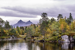 Autumn mood in Northern Norway (Petra Schneider photography) Tags: nordnorwegen norge norway northernnorway nordland mountain lake autumn