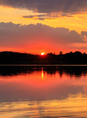 sunset (Antti Tassberg) Tags: espoo suomi auringonlasku landscape pitkäjärvi pilvi järvi aurinko cloud finland lake scandinavia sun sundown sunset uusimaa fi