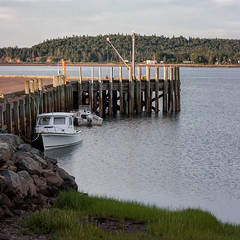 Middle tide (billd_48) Tags: novascotia canada ns ca summer architecture nature harbor hightide bayoffundy