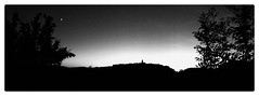 J'ai demandé à la Lune... (Jean-Louis DUMAS) Tags: puycelsi coucherdesoleil sunset village blackandwhite noiretblanc nb bw panoramique panorama