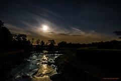 Moonligt creek (MIKAEL82KARLSSON) Tags: bäck å vatten water månsken moonlight natur naturbild nature night natt nightshot nightphoto nattfoto pentax k70 mikael82karlsson sky himmel