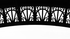Eiffel pattern (pepsamu) Tags: paris france francia pattern patrón metal canon canonistas 60d volutas monochrome monocromo blancoynegro bianconeri whiteandblack bw monument detail closeup zoom detalle eiffel arquitectura architecture tower eiffeiltower