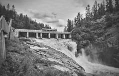 Dam of ages (franklemieux875) Tags: barrage dam ancien noir blanc black white landscape