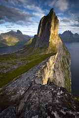 Segla mountain (Ela Dzimitko) Tags: norway senja segla hesten fjordgard sunset warm evening hill mountain hiking cliff weather clouds edge farnorth north northern arctic arcticislands arcticcircle troms stunningoutdoors eladzimitko lee leefilters