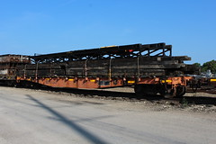 ICG 101243 (CC 8039) Tags: icg ic cc cn trains flat car mow charles city iowa