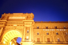 Luce blu a Firenze (michele.palombi) Tags: florence sunset piazza repubblica film 35mm kodak portra800 nikonf3 colortec c41 negativo colore