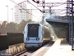 Dale calor (FerrOnuba) Tags: tren renfe 598 serie diesel automotor caña jabugo galaroza huelva huelvatermino adif estacion potencia humo maquinista son buenos trenes ostia tarde luz soleado atardecer