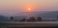 früh am Morgen / early in the morning (rapp_henry) Tags: sonnenaufgang franken deutschland henryrapp nikond800 nikon70200mmf28 landcapes germany franconia sun sonne stimmungsvoll