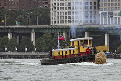 r_180909197_beat0075_a (Mitch Waxman) Tags: 2018greatnorthrivertugboatrace hudsonriver manhattan tugboat workingharborcommittee newyork